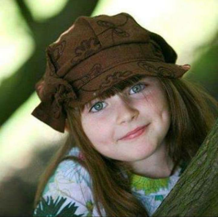 صور طفلة تموت من الضحك , براءة بنوته