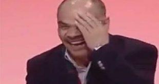 صورة الرجل ذو ضحكة الدجاجة , اضحك من قلبك مع اجمل الضحكات