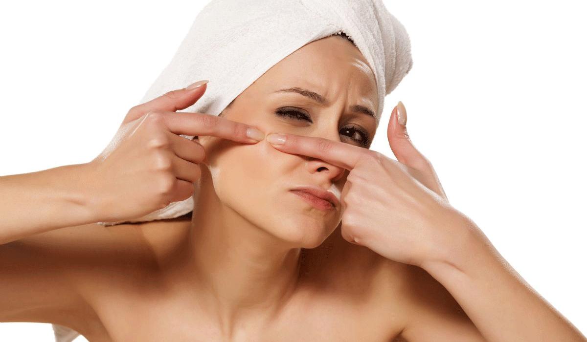 صورة ازالة الحبوب السوداء من الوجه , طريقة كي يكون وجهك انعم من الحرير