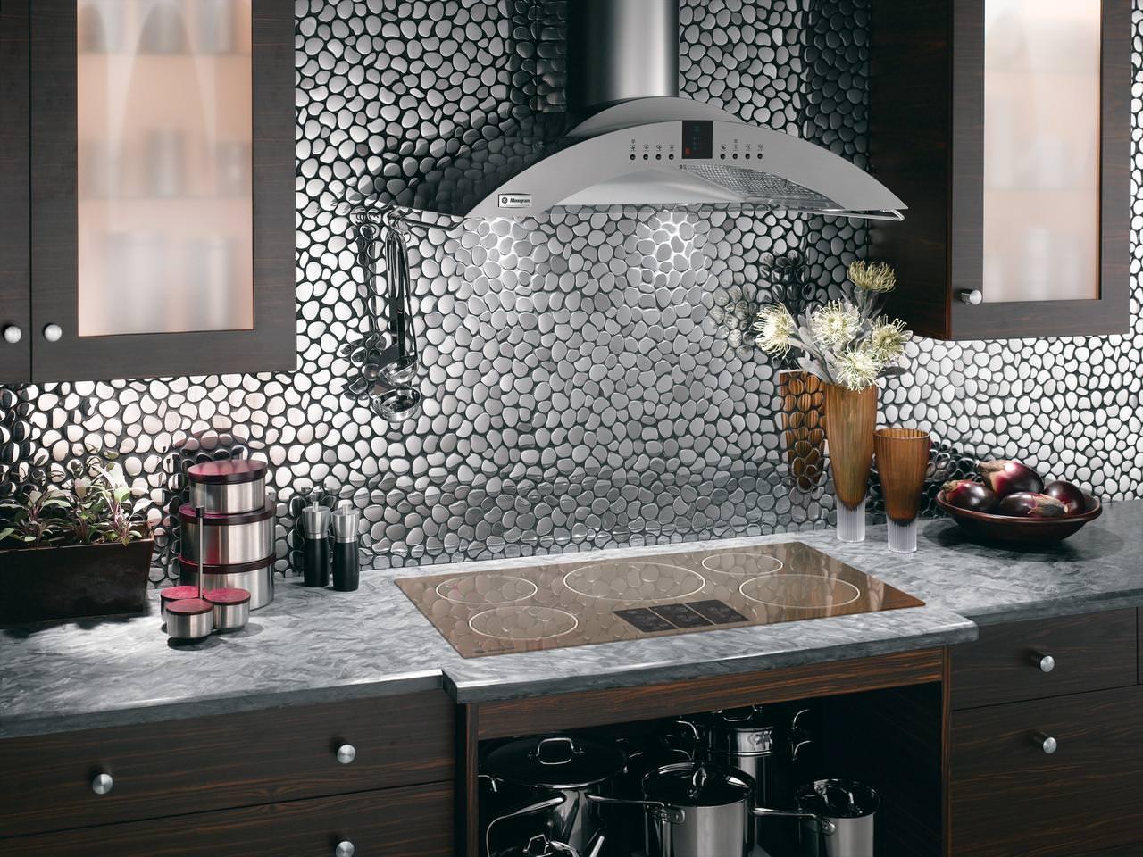 صورة تنظيف جدران المطبخ من الدهون , تعرف على اسهل طريقة لتنظيف المطبخ من الدهون