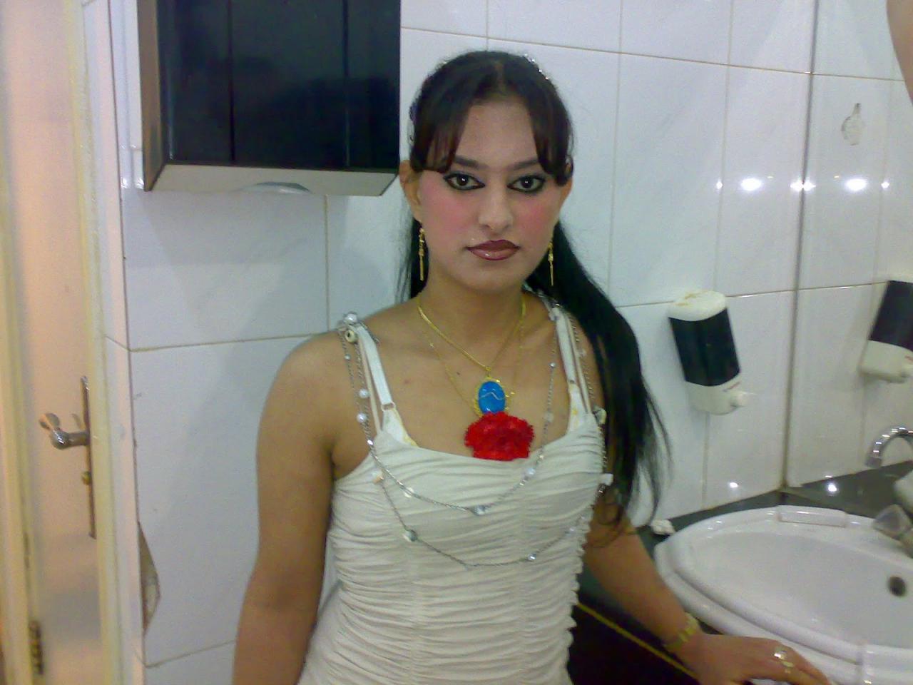صورة تصوير البنات في الحمام , شاهد ما يحصل في هذا المجمتع مع البنات