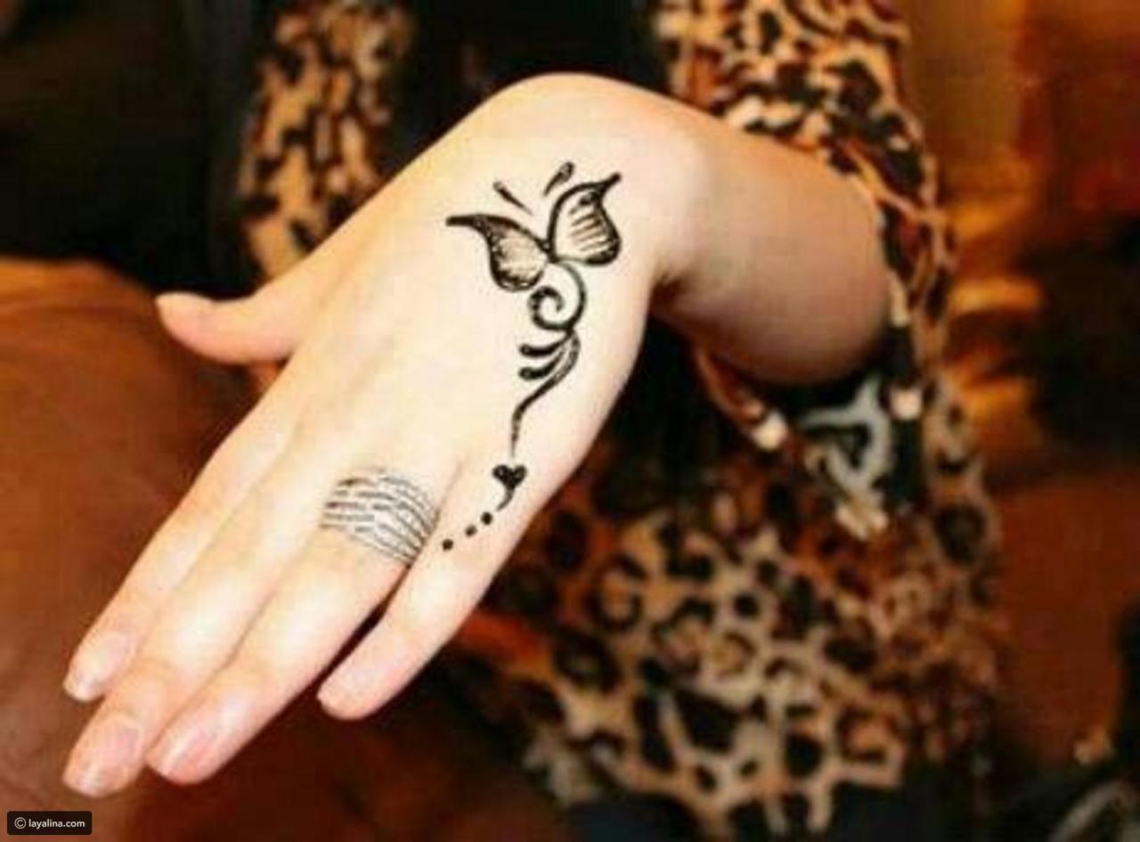 رسم حنه على اليد بسيطه صور بعض من النساء التي يحبوا وضع الحنه